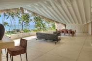 Vista de la terraza del dormitorio principal de la Villa del Mar, frente al mar